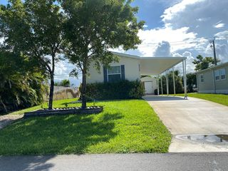 8138 SE Swan Ave, Hobe Sound, FL 33455