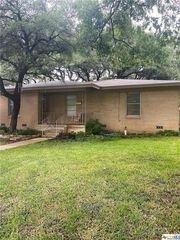 2505 Mears Dr, Gatesville, TX 76528