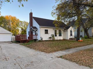 362 Center St, Tracy, MN 56175