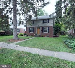 921 Louise Ave, Lancaster, PA 17601