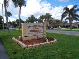 10365 Paradise Blvd #8, Treasure Island, FL 33706
