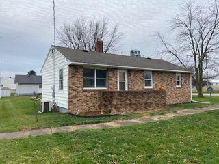 106 South St, Elliott, IL 60936