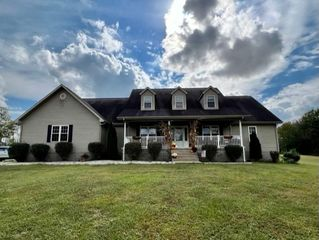 565 Beeny Rd, Manitou, KY 42436
