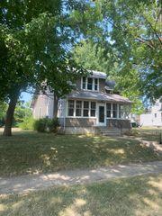 410 5th Ave W, Lamberton, MN 56152