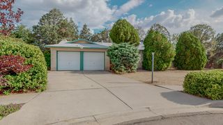 3304 Black Hills Ct NE, Albuquerque, NM 87111