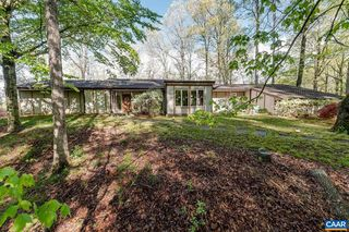 1 Bellhouse Ln, Earlysville, VA 22936
