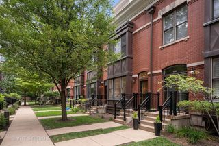 1345 S Indiana Pkwy, Chicago, IL 60605