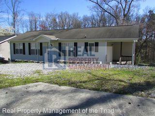 909 Beaumont Ave, Greensboro, NC 27401