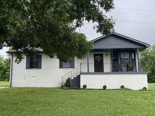 768 Garrison Dr, Nashville, TN 37207