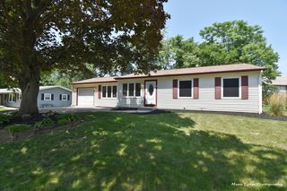 530 Moore Ave, Saint Charles, IL 60174