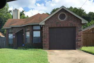 7524 Arbor Hill Dr, Fort Worth, TX 76120