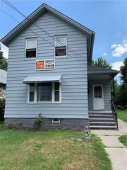 7503 Spafford Rd, Cleveland, OH 44105