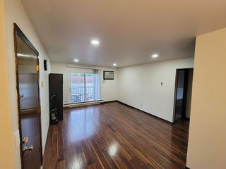 181 N Waters Edge Dr #201, Glendale Heights, IL 60139