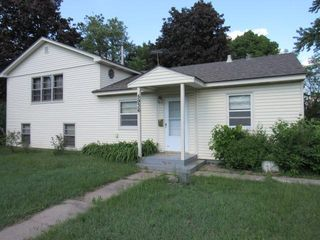 5936 Elmhurst Ave N, Crystal, MN 55428
