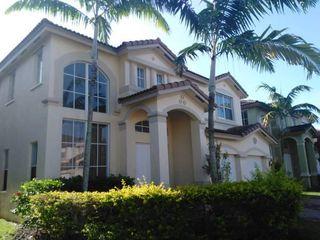 9071 SW 152nd Ct, Miami, FL 33196