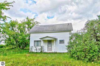 3189 Bowerman Rd, Kingsley, MI 49649