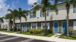 1900 SE Hillmoor Dr, Pt Saint Lucie, FL 34952