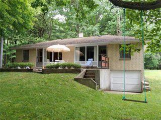 4338 Park Manor Dr, Jamestown, PA 16134