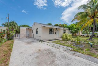 611 Monceaux Rd, West Palm Beach, FL 33405