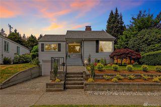 8235 36th Ave NE, Seattle, WA 98115