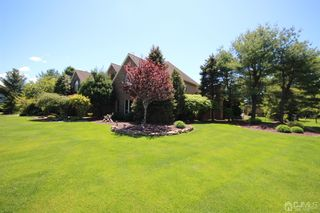 17 Drinking Brook Rd, Monmouth Junction, NJ 08852