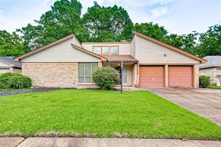 323 Peacedale Ct, Houston, TX 77015