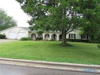 203 Indiana Dr, Bryan, OH 43506