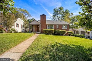 2612 Ross Rd, Chevy Chase, MD 20815