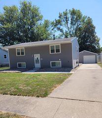 2021 W 35th St, Davenport, IA 52806