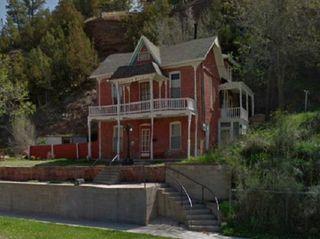 801 N River St, Hot Springs, SD 57747