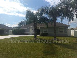 1614 SE Goucho Ave, Pt Saint Lucie, FL 34952
