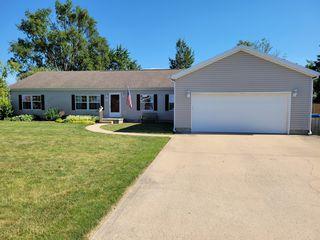 605 W Rhodes St, Thomasboro, IL 61878
