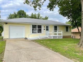 15606 E 36th St S, Independence, MO 64055