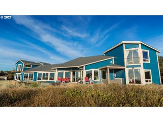 1325 NW Curtis St, Seal Rock, OR 97376