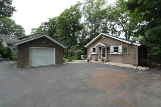 2714 Fox Grove Dr, Waterford, WI 53185