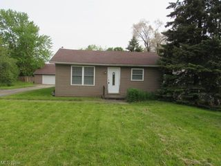 8509 Murray Rd, Cleveland, OH 44125