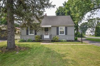 1019 Whitlock Rd, Rochester, NY 14609