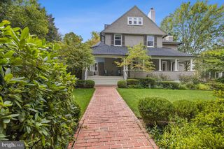 8 Grafton St, Chevy Chase, MD 20815