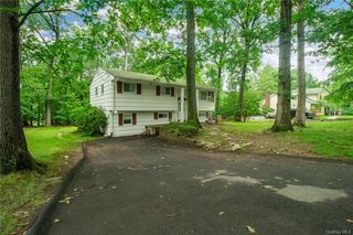 14 Margetts Rd, Monsey, NY 10952