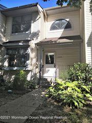 1305 Arlington Dr, Toms River, NJ 08755