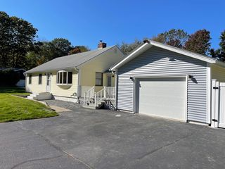 1054 Banfield Rd, Portsmouth, NH 03801
