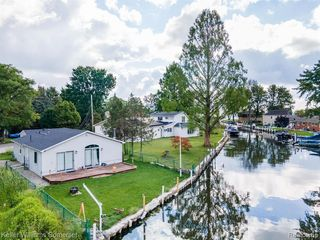 29356 Wand Dr, Chesterfield, MI 48047