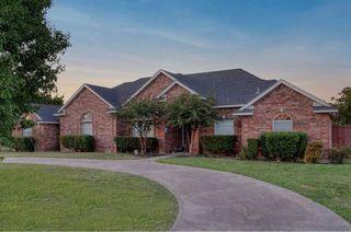 424 Country Ridge Ln, Red Oak, TX 75154