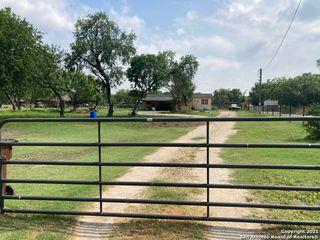 7946 S Foster Rd, San Antonio, TX 78222