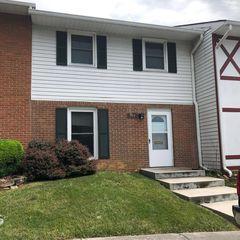 317 Fairfax Rd, Blacksburg, VA 24060