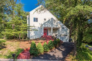 1661 Cedar Hollow Way, Reston, VA 20194