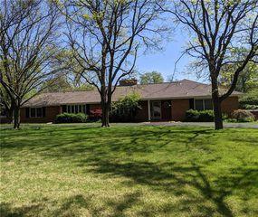8529 Roe Ave, Prairie Village, KS 66207