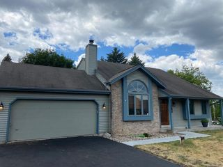 28825 Beach Dr, Waterford, WI 53185
