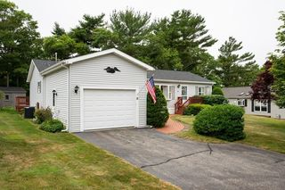 18 Headlands Dr, Plymouth, MA 02360