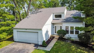 2250 Bridle Ct, Maineville, OH 45039